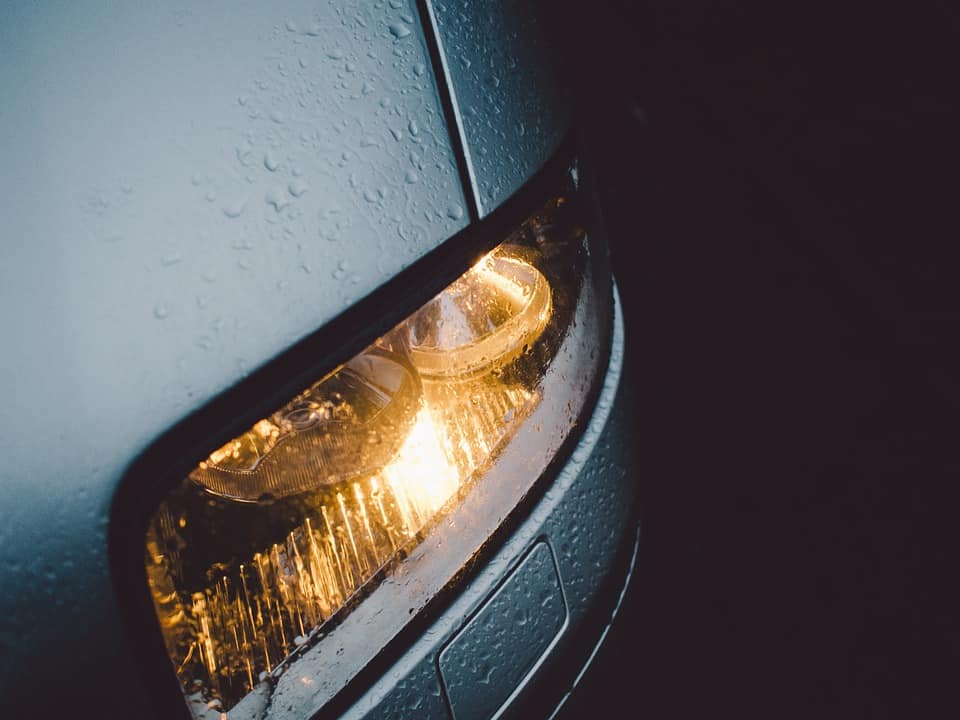 How to Repair Car Lights